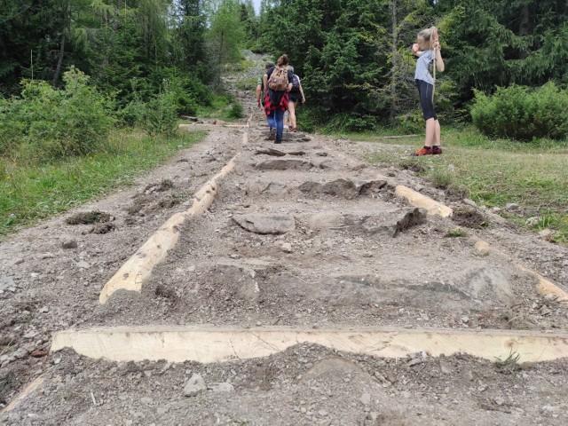 Remont szlaku na Kopieniec Wielki rozpoczął się już w ubiegłym tygodniu. Od 9 sierpnia wejście na szczyt zostało zamknięte dla turystów