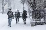 """Prognoza pogody na luty 2021. Jaka pogoda nas czeka w tym miesiącu? Czy sprawdzi się staropolskie przysłowie """"Idzie luty, podkuj buty""""?"""