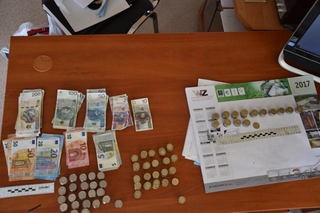 Narkotyki i pieniądze zabezpieczone przez szczecinecką policję