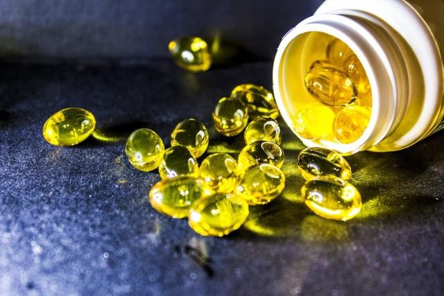 Tran to wyłącznie olej z wątroby ryb dorszowatych lub mięśni ryb sardynkowatych. Tran to nie to samo, co olej z wątroby rekina.