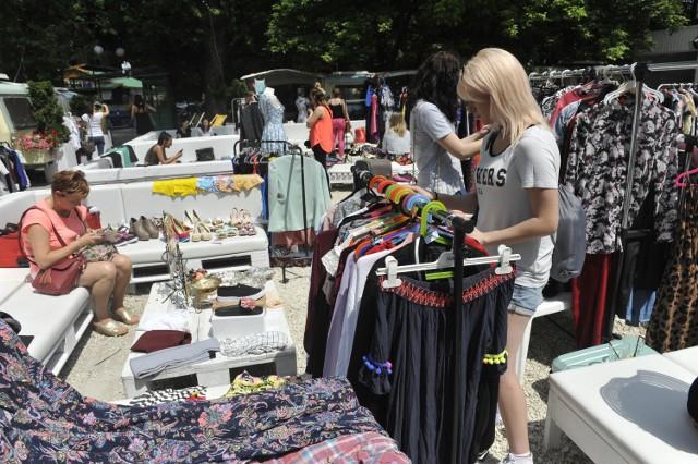 Akcje wymiany ubrań odbywają się także w innych polskich miastach. Są bardzo popularne