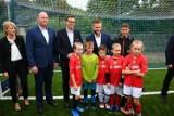 Premier oficjalnie otworzył nowe boisko w Truskolasach