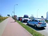 Sławno - zderzenie aut na zjeździe z obwodnicy. Dwie osoby poszkodowane ZDJĘCIA