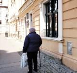 """Koronawirus w Katowicach: rusza """"Pogotowie zakupowe"""" dla osób starszych"""
