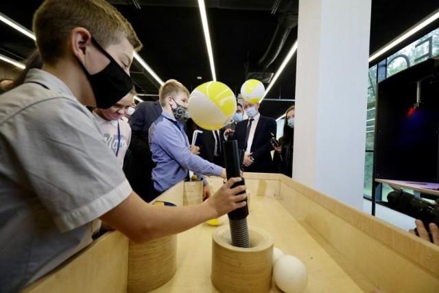 Pierwsza Strefa Odkrywania, Wyobraźni i Aktywności ‒ SOWA została otwarta w poniedziałek (20 września) w Piotrkowie Trybunalskim.