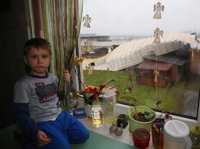Wichura zerwała dach w Moszczenicy