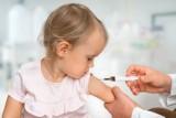 Czy dzieci antyszczepionkowców będą musiały korzystać tylko z prywatnych żłobków i przedszkoli? W Senacie zakończono prace nad zmianą prawa