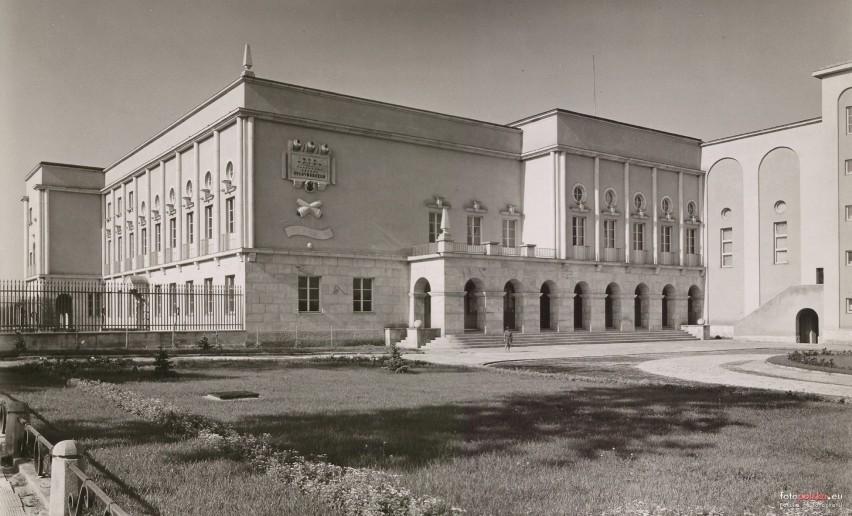 """Przez lata nazywany był """"Domem Piłsudskiego"""". Do jego budowy..."""