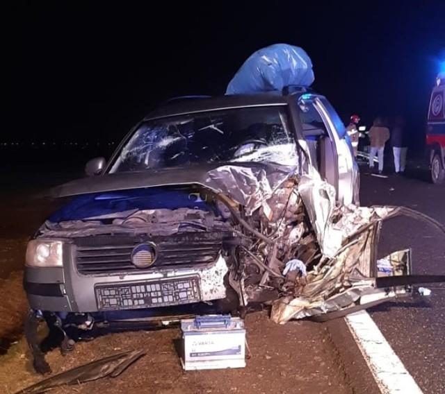 Groźny wypadek na DK11 w Glinicy. Trzy osoby trafiły do szpitala