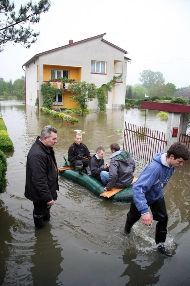 Podczas powodzi w 2010 roku wielu mieszkańców Krakowa i okolicznych miejscowości poniosło duże straty. Tak radzili sobie z wielką wodą.