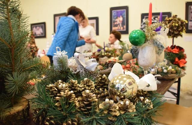 Regionalne Centrum Kultur Pogranicza w Krośnie już po raz 15. zaprosiło mieszkańców na Kiermasz Świąteczny. Wybór był ogromny. Można było zaopatrzyć się w wigilijne potrawy, upominki i ozdoby świąteczne.