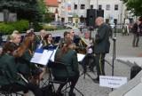 Letnie koncerty znów cieszą zielonogórzan. Orkiestra Dęta Zastal dała czadu na deptaku