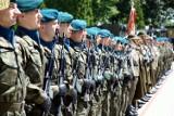 Poszukujesz wojskowych gadżetów? Agencja Mienia Wojskowego organizuje wyprzedaż. Hełm, mundur lub beret? Kupisz o wiele więcej