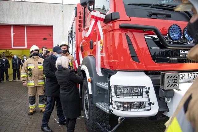 Nowy samochód znalazł się już w podziale bojowym OSP Piaski i może służyć podczas akcji