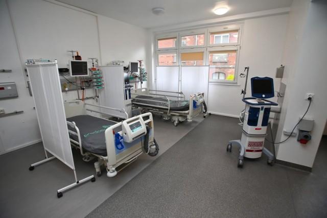 Ministerstwo Zdrowia od piątku podaje liczbę łóżek dla pacjentów z koronawiruse,m. Obecnie jest ich 18 432.