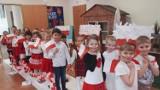 2 maja obchodzimy Dzień Flagi Rzeczypospolitej Polskiej. Zobaczcie, jak święto to obchodzono w Przedszkolu Miejskim nr 7 w Lesznie