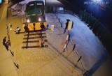 Trzebinia. Odrestaurowana lokomotywa z Fabloku przyciąga złodziei i wandali. Ukradli liny z ogrodzenia [ZDJĘCIA, WIDEO]