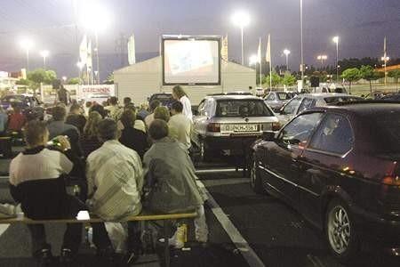 Pod Centrum Handlowym wyświetlano akurat film Dannego DeVito. olgierd gÓrny