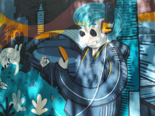 Swoją część muralu wykonała już opolanka Patrycja Kostyra. Całość nie jest jednak jeszcze gotowa, ponieważ na przeciwległej ścianie pojawi się mural autorstwa Anny Wardęgi-Czai.