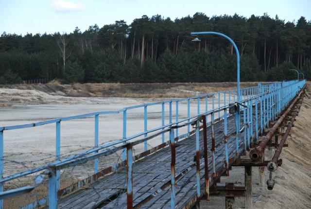 Na składowisku ISO dawnego Zachemu w Bydgoszczy zalegają fenole i resztki po produkcji substancji grzybobójczych. Składowisko właśnie zostało sprzedane.