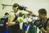 Będzin: Marzenia o zawodowym boksie stają się tu rzeczywistością. Powiatowa Akademia Boksu: to tu rodzą się mistrzowie
