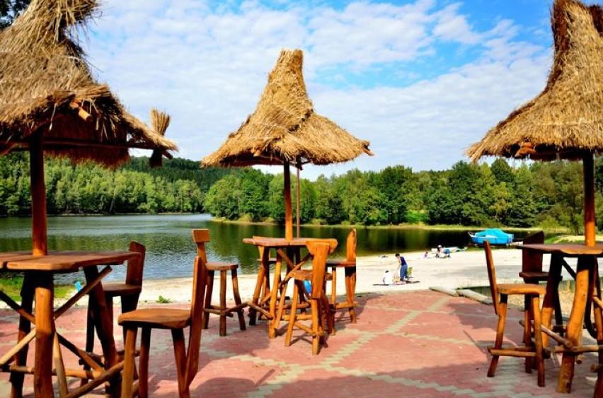 Plaża w Złotym PotokuCudowna biała plaża wśród drzew...