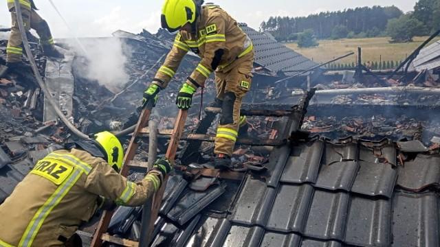 15 lipca spłonął dach domu w podgoleniowskim Modrzewiu