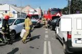 Tarnów. Groźne zderzenie trzech samochodów na ulicy Krakowskiej. Po wypadku w mieście były ogromne utrudnienia w ruchu [ZDJĘCIA]