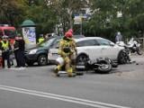 Wypadek w Kluczborku. Zderzenie samochodu z motocyklem. Ranna jest jedna osoba. Na miejscu lądował śmigłowiec LPR [ZDJĘCIA]