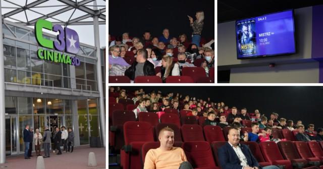 Kłodzko: W kinie Cinema 3D wyświetlono 2 filmy z inicjatywy senatora Aleksandra Szweda.  Czytaj dalej. Przesuwaj zdjęcia w prawo - naciśnij strzałkę lub przycisk NASTĘPNE.