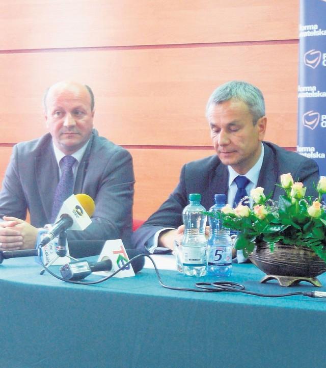 Kandydata PO przedstawił Andrzej Biernat (po prawej)