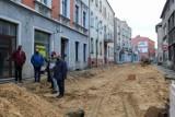 Trwa remont ulicy Mickiewicza w Lublińcu. Miasto przypomina o działających sklepach