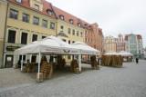 Grille znikną z warszawskich ogródków gastronomicznych? Mieszkańcom przeszkadza smród i dym