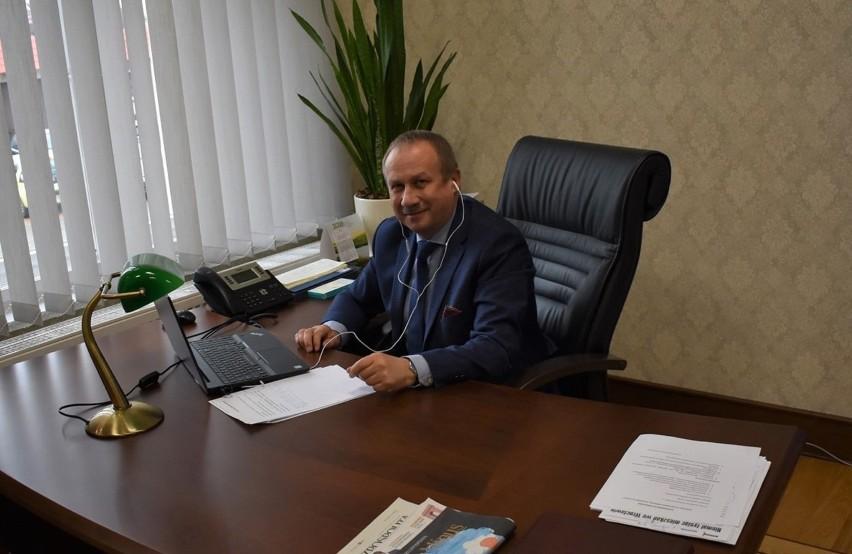 """Ruszył serwis """"Krotoszyn na wynos"""". Burmistrz: """"Każdy z nas może ziarenko pomocy dołożyć"""" [ZDJĘCIA + FILM]"""