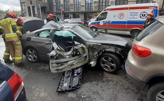 Wypadek na placu Wolskiego w Bytomiu. Jedna osoba trafiła do szpitala