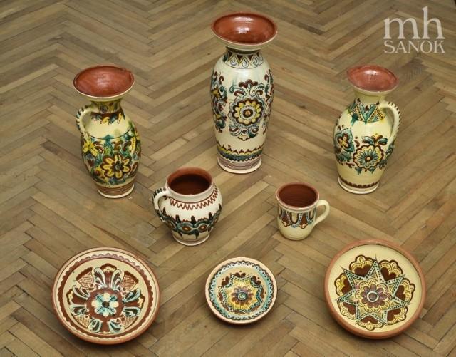 Stała ekspozycja ceramiki pokuckiej w Zamku Królewskim w Sanoku.