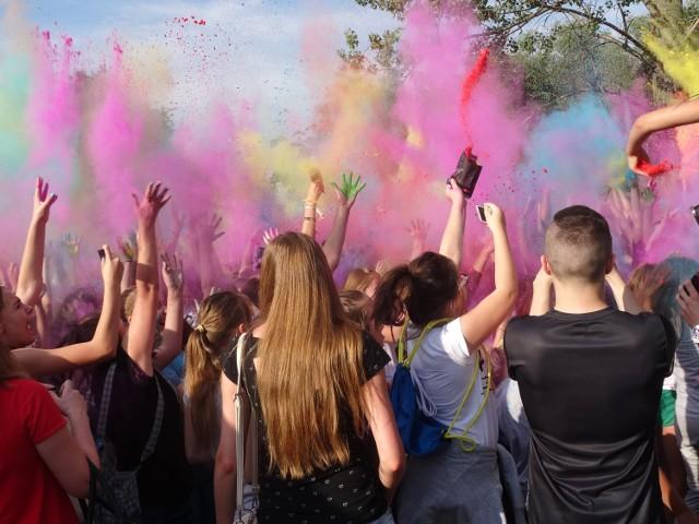 Festiwal kolorów w Szałem
