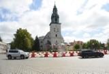 Remonty Krosno Odrzańskie. Prace na placu św. Jadwigi Śląskiej wkrótce mają zostać wznowione. Ale ile potrwają?