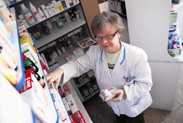 B. Fiklewicz-Dreszczyk dąży do tego, by farmaceuta mógł odmówić sprzedaży środków antykoncepcyjnych