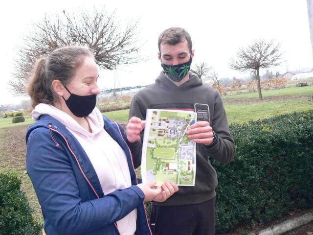 Po uroczystym apelu  korzystając z mapy, uczestnicy mieli za zadanie znaleźć punkty, w których czekały na nich kolejne wyzwania.
