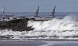 Na Pomorzu silny wiatr, ulewne deszcze i sztorm na Bałtyku! Ostrzeżenie meteorologiczne 13.10.2020.