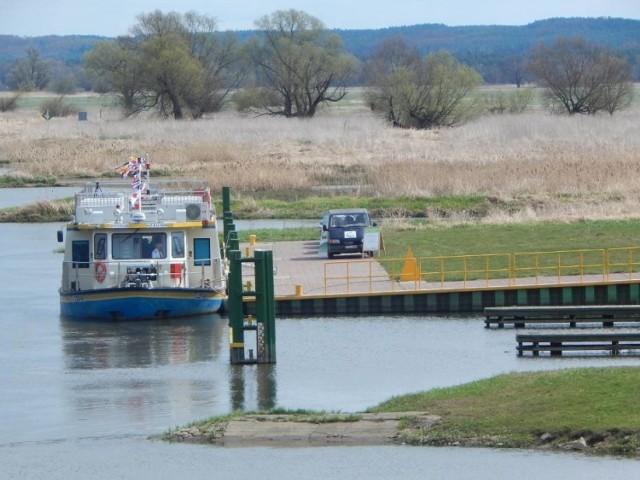 Zefir już na pewno nie przybije do portu w Krośnie Odrzańskim. Oficjalnie podjęto decyzję o sprzedaży statku.