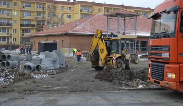 Trwa budowa nowego marketu przy osiedlu Wyszyńskiego w Nowym Dworze Gdańskim