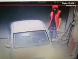 Złodziej samochodowy w Jastrzębiu. Ukradł citroena c1 z prywatnej posesji. Rozpoznaje go ktoś?