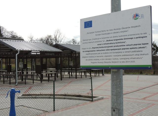 Budowa targowiska gminnego z parkingiem wraz z infrastrukturą techniczną w Chrzypsku Wielkim była możliwa dzięki dofinansowaniu z PROW 2014-2020.