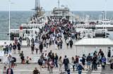 Molo w Sopocie z rekordem sprzedanych biletów! Weekendowe turystyczne oblężenie kurortu