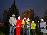 Choinka na osiedlu Ogrody w Ostrowcu już świeci. Każdy może ją ozdobić (ZDJĘCIA, WIDEO)