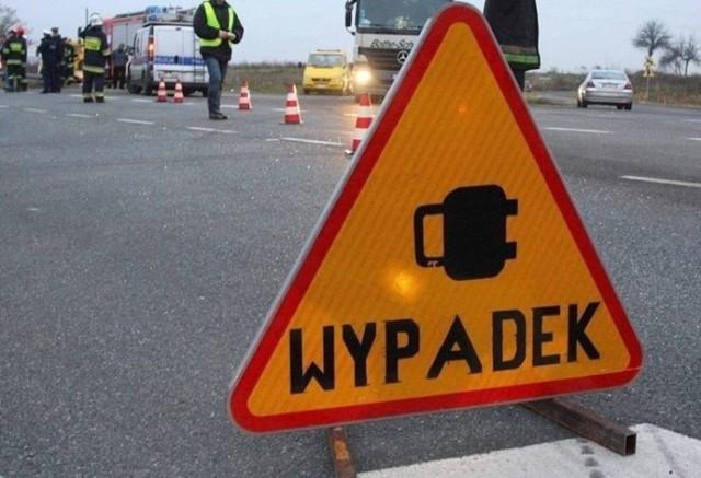 Na DK 75 w Brzesku obowiązuje ruch wahadłowy po zderzeniu trzech samochodów