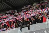 Kibice na meczu Górnik Zabrze - Warta Poznań zabrzańscy fani głośno wpierali drużynę i cieszyli się z przełamania piłkarzy