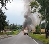 Wyźrał. To mogło skończyć się tragicznie! Ciężarówka w ogniu na drodze powiatowej [ZDJĘCIA] AKTUALIZACJA 22.07.2021